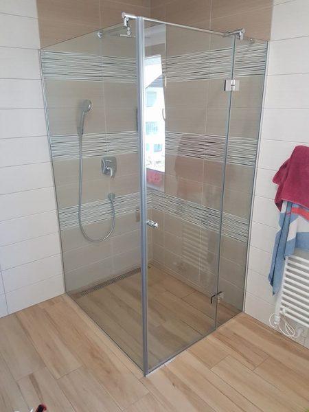 Steklena vrata za prho